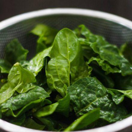 Beneficios de comer espinacas