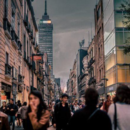 Salen de México capitales  por mil 300 mdp