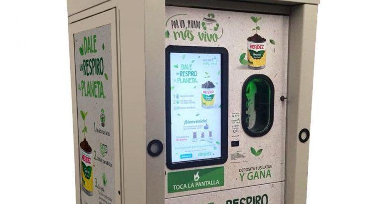 Conoce las máquinas de reciclaje que intercambian latas por dinero