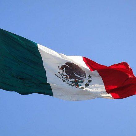 La bandera de México a través de la historia