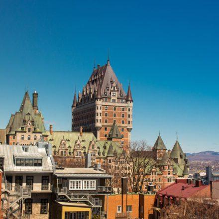 Canadá inicia programa para reclutar profesionistas mexicanos