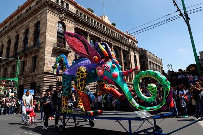 Colorido Desfile de Alebrijes deslumbra la CDMX