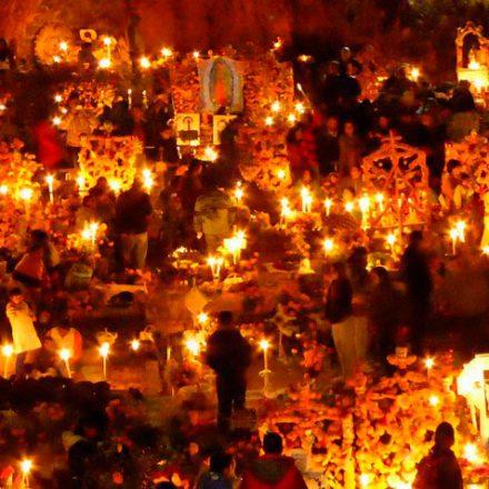 VIDEO: Día de Muertos en Michoacán, una fiesta de tradición y alegría