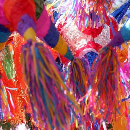 Origen y significado de la piñata, un símbolo mexicano de la Navidad