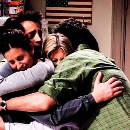 El abrazo de la persona que amas te conforta el alma, lo comprueba la ciencia