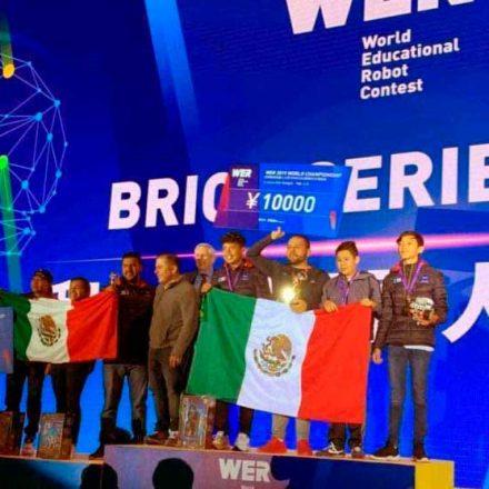 Estudiantes del CONALEP ganan primer lugar en Mundial de Robótica Educativa en China