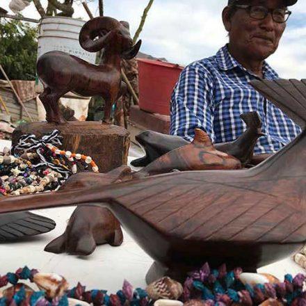 El escultor de palo fierro seri que preserva una tradición de más de 60 años
