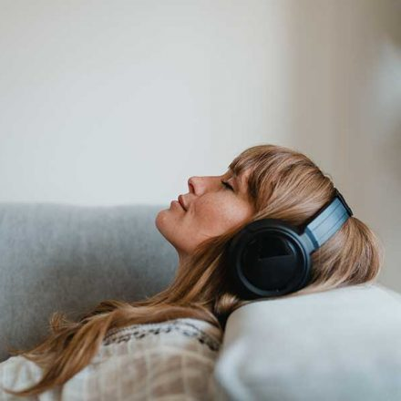 Si la música te provoca escalofríos, podrías tener un cerebro diferente al de los demás, revela estudio