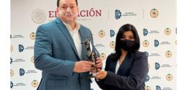 """Recibe Francisco Bustillo, director de IQX Biomédica, el reconocimiento """"Creadores Solidarios en Tiempos de Pandemia"""""""