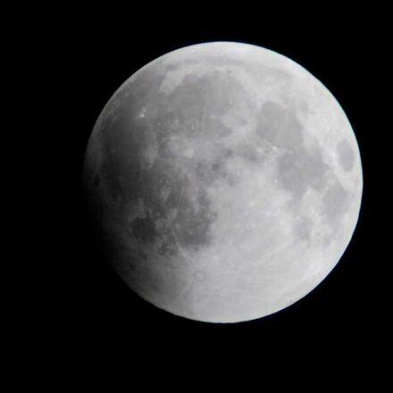 Noviembre se despide con el último eclipse lunar del 2020