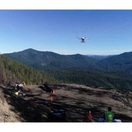 Drones siembran árboles desde las alturas para reforestar bosques tras incendios en California