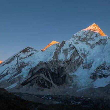 """El Monte Everest """"creció"""" este año; revelan su altura real"""