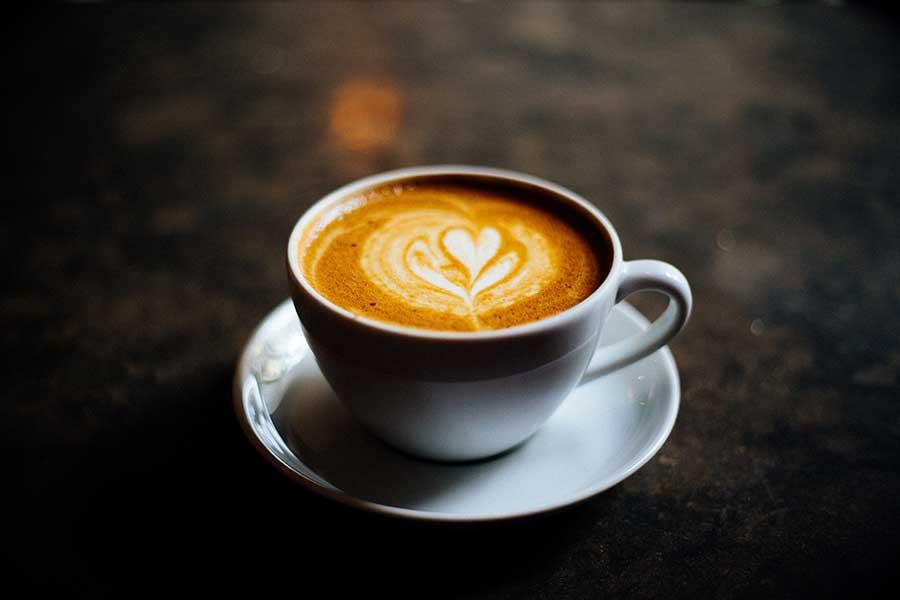 ¿Bebes café a diario? Nuevo estudio sugiere que podría ser bueno para el corazón