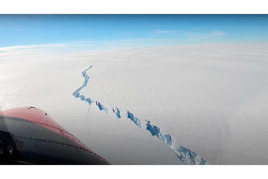 VIDEO: Un iceberg casi del tamaño de la CDMX se desprende de la Antártida
