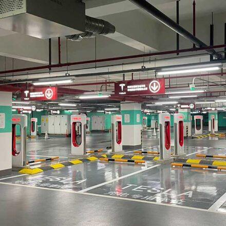 Así es como se ve la estación de carga de autos eléctricos más grande del mundo