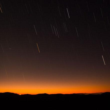 Lluvia de estrellas y Superluna Rosa: esto es lo que veremos en el cielo durante abril 2021