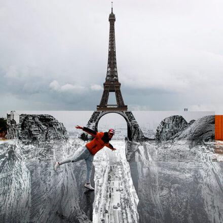 Artista sorprende a París con ilusión óptica en la Torre Eiffel