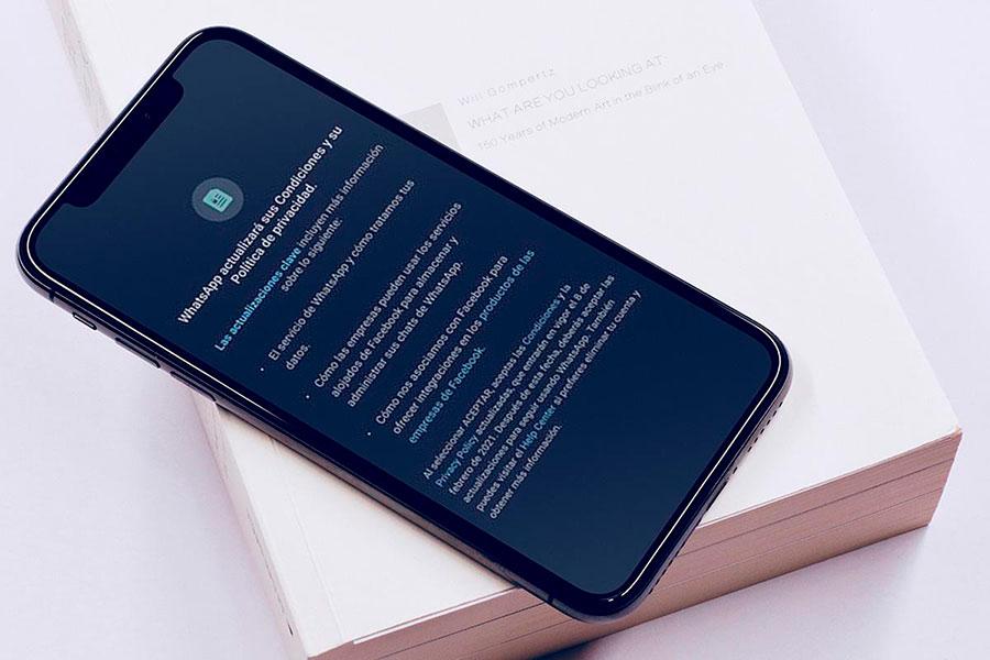 WhatsApp se retracta y decide no limitar las funciones de la app a quienes no han aceptado su nueva política