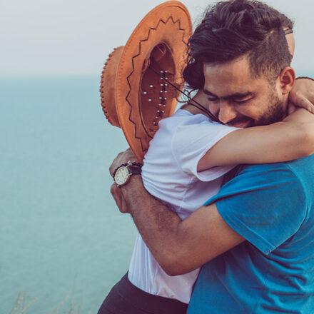 Los abrazos dejan huellas en nuestros genes