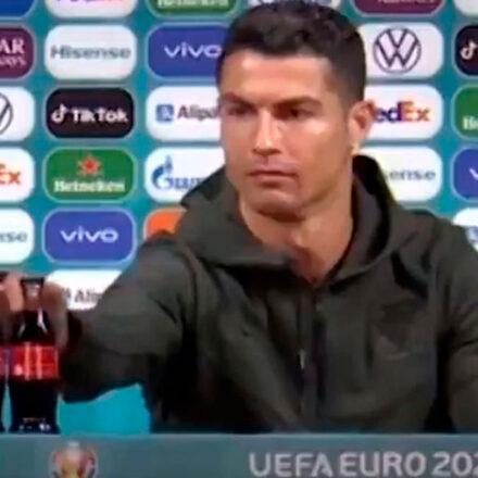 ¿Cristiano Ronaldo hizo que Coca-Cola perdiera 4 mil mdd? La historia detrás del video que circula en internet