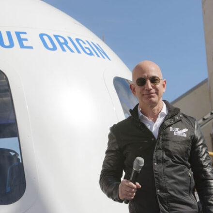 Fundador de Amazon, Jeff Bezos, viajará al espacio en el primer viaje de su compañía Blue Origin