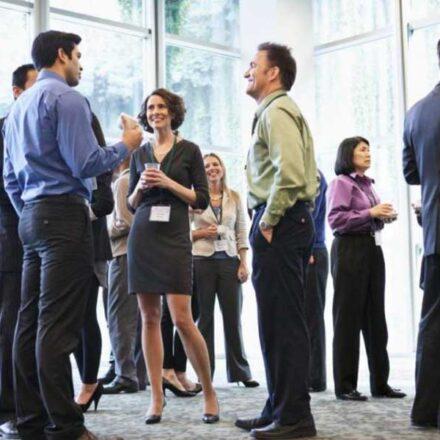6 cosas que debes y no debes hacer durante el networking