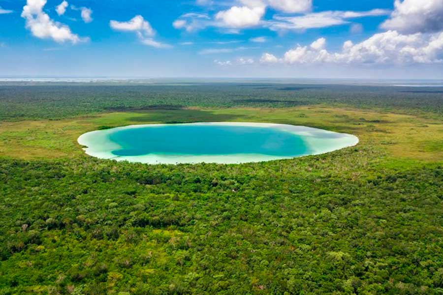 El secreto mejor guardado de la Riviera Maya es esta laguna de aguas turquesa