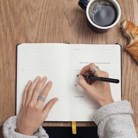 4 hábitos matutinos que te ayudarán a mantener tus niveles de felicidad altos durante todo el día