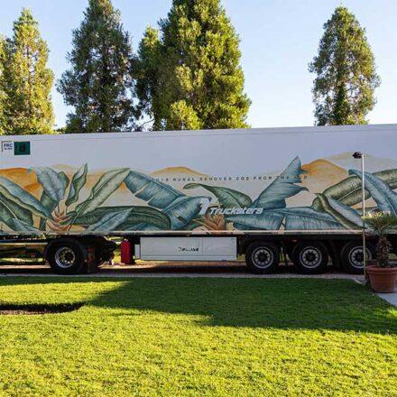 Crean el primer camión con pintura que absorbe CO2