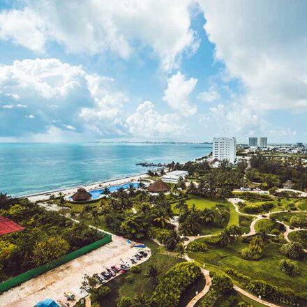 Cancún recupera flujo de pasajeros a niveles prepandemia